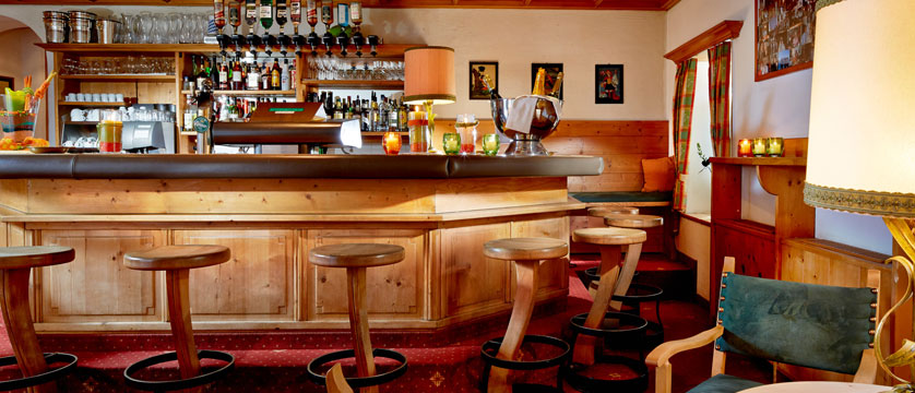 Hotel Fischerwirt, Zell am See, Austria - Bar.jpg